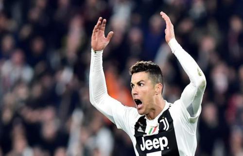 Ronaldo Berselebrasi Dengan Keinginannya