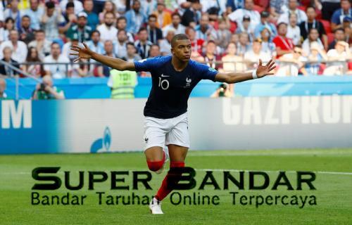 Mbappe akan 1 level dengan Ronaldo dan Messi
