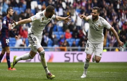 Real Madrid Menang Atas Eibar Melalui Dua Gol Karim Benzema