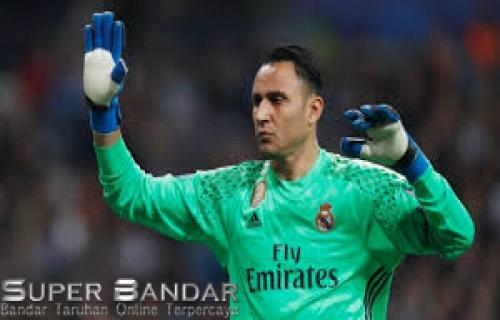 Keylor Navas Menyetujui Untuk Bergabung ke Paris Saint-Germain