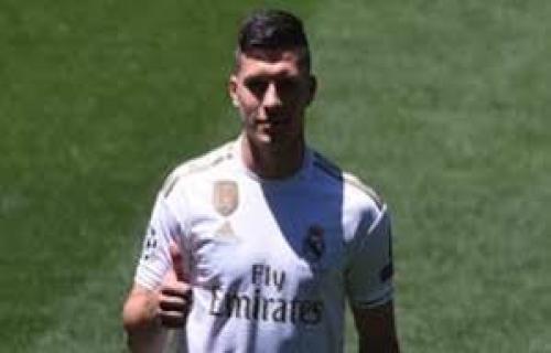 Luka Jovic siap dimainkan bersama Benzema