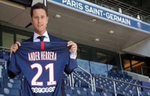 Ander Herrera resmi bergabung di PSG