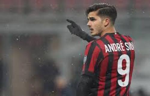 Andre Silva kembali ke AC Milan