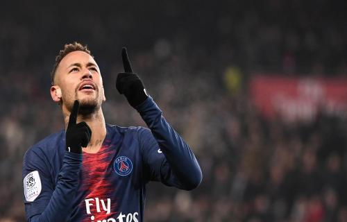 Masih Bertahan di PSG, Neymar Diledek Rekan-rekan Segrupnya